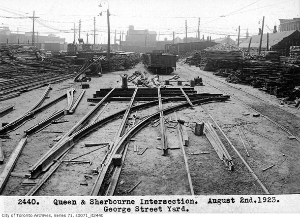 20131230-queen-sherbourne-george-st-ard-1923.jpg