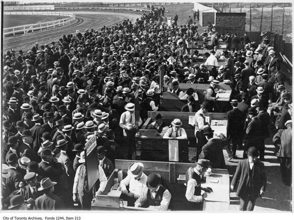 201321-dufferin-race-track-1910-ed2.jpg