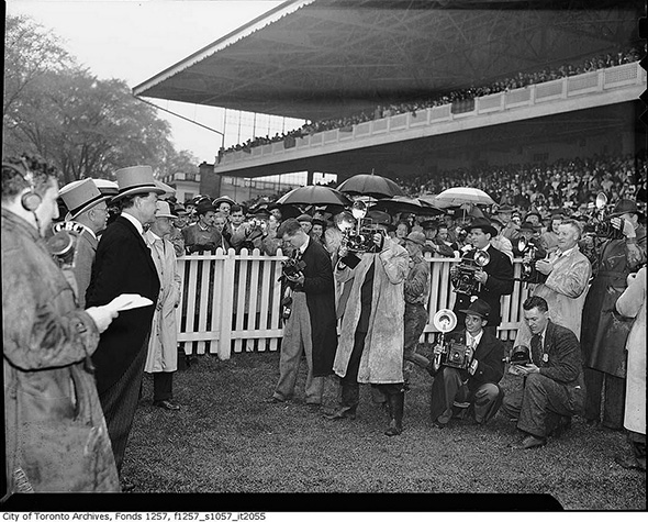 2014128-photographer-track-1946.jpg