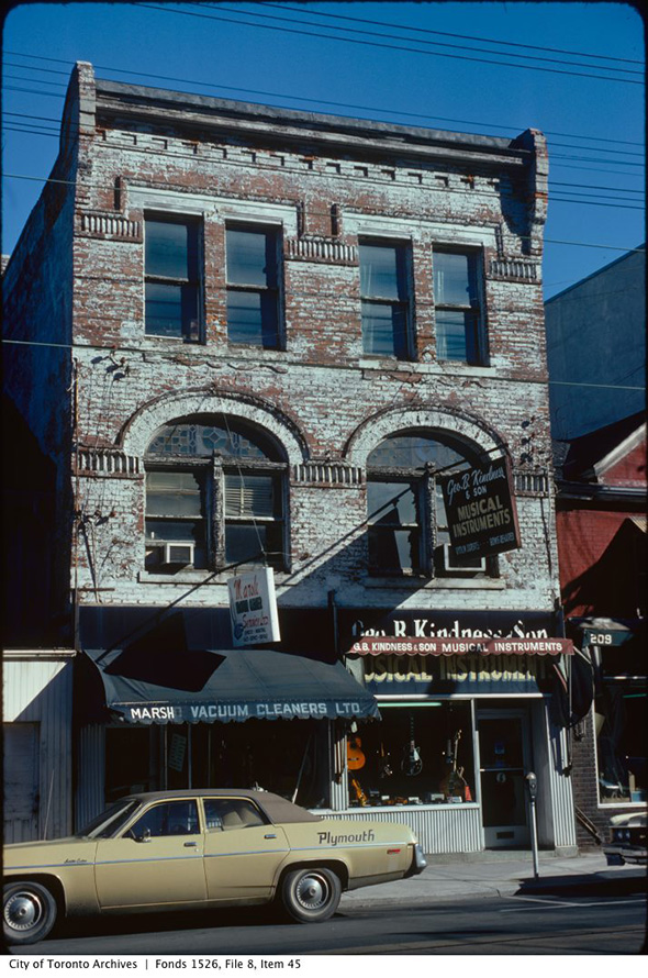 2014115-church-south-dundas-1975.jpg