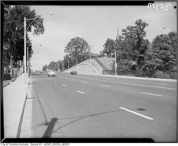 2014319-ave-road-widened-de-le-salle-1960.jpg