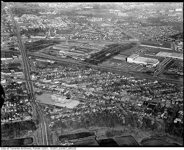 2014423-jane-law-aerial-1960s.jpg