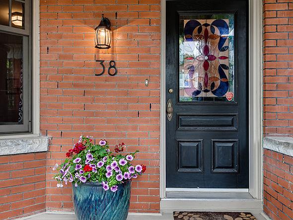 38 Ferrier Avenue