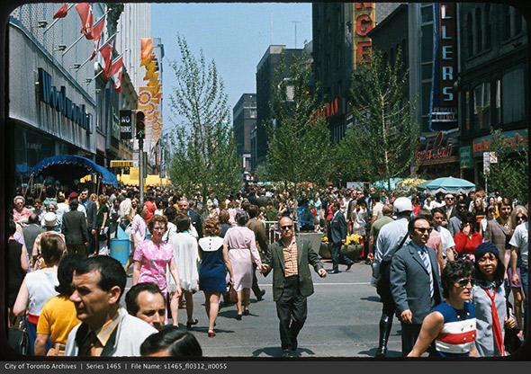 yonge pedestrian mall