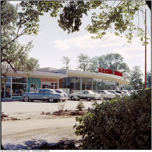 toronto shopping plaza