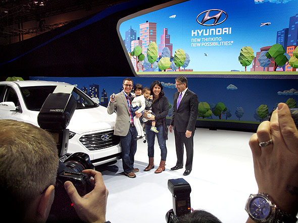 The first Hyundai Tuscon Hydrogen-powered car presented to its owners at CIAS