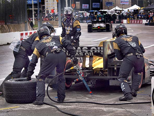 PIt stop at Honda Indy TOronto
