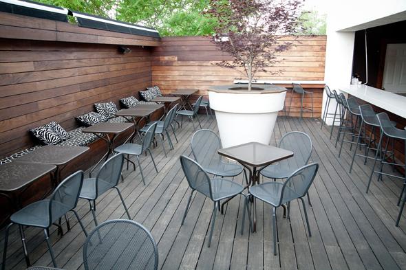 restaurant patio toronto