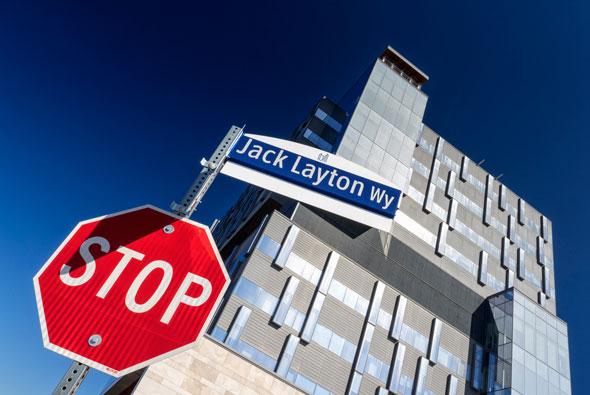 toronto new street signs