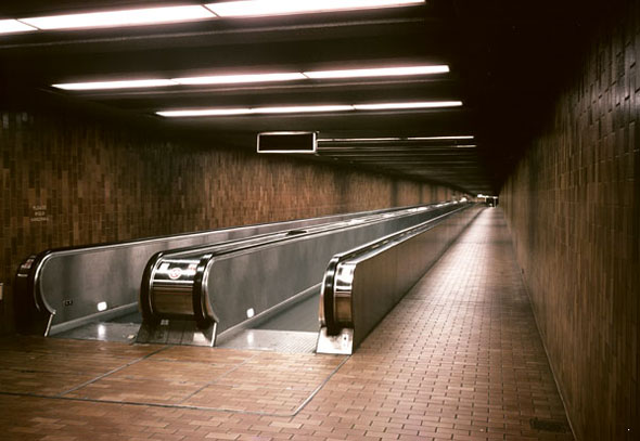 spadina station moving walkway