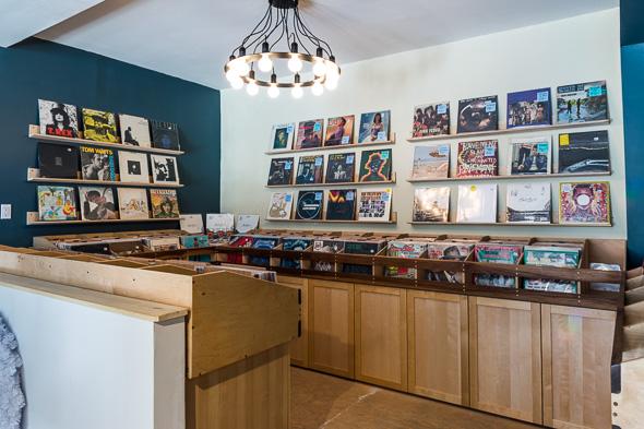 vinyl records stores toronto