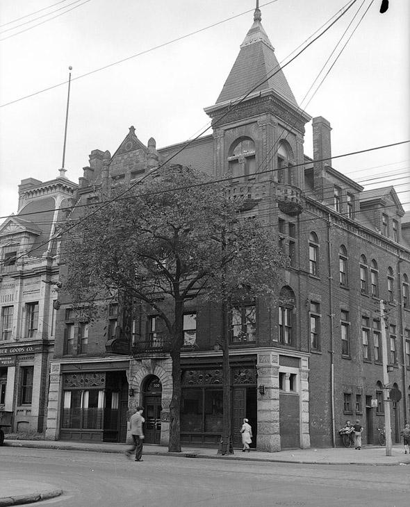 Dominon Hotel Toronto